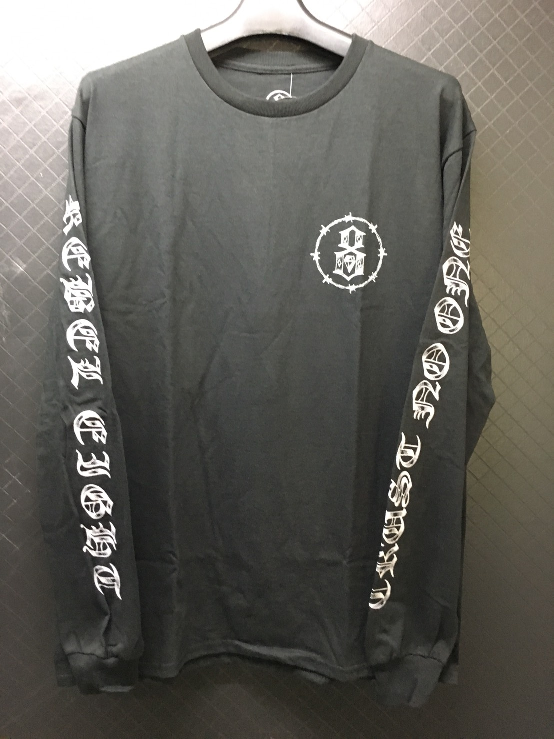 rebel8 Trust No One Longsleeve Tee